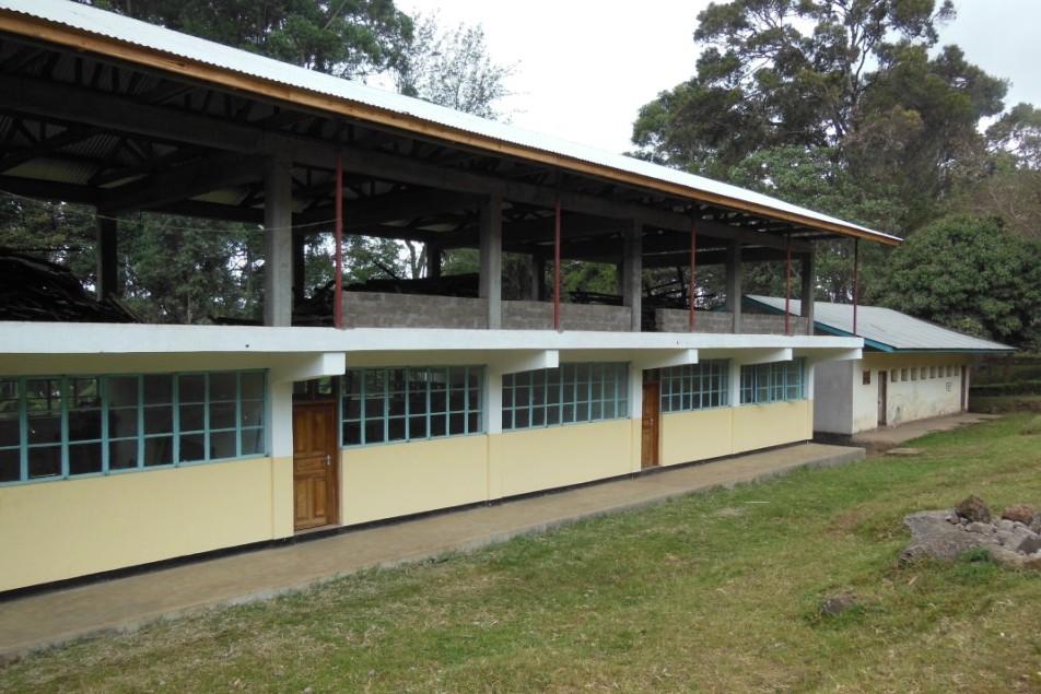 2012 – High School für Marangu – Außen